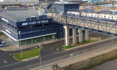 New euro 3.5 million hybrid crane arrives at the port of Hull